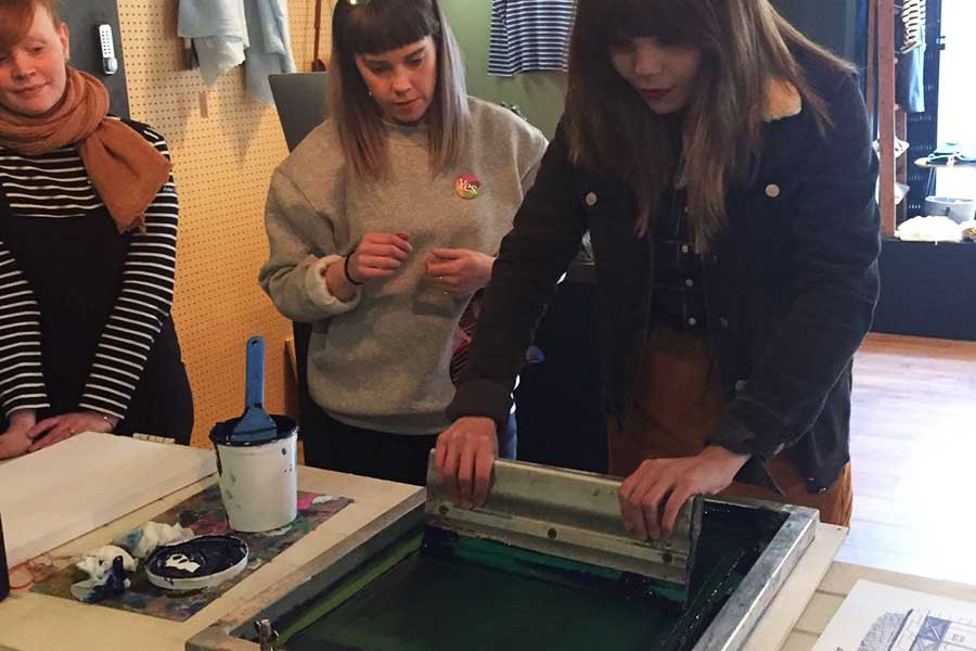 1- Screen-printing-at-Scout